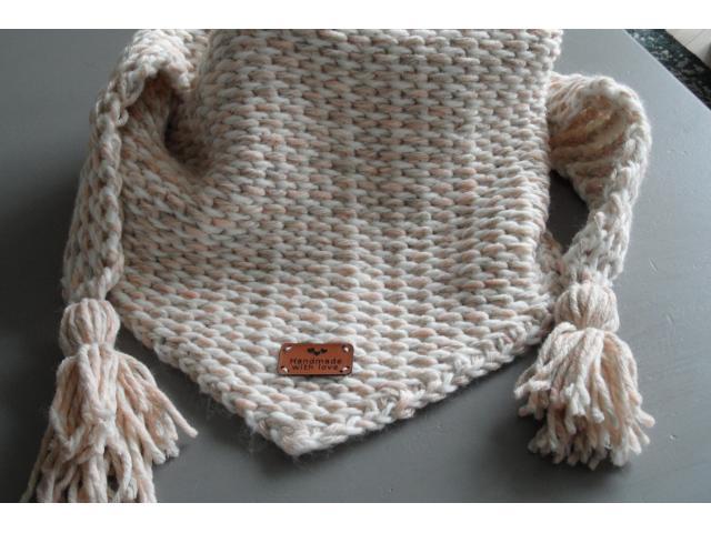 Leuke tunisch gehaakte sjaal