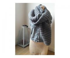 Grijze gehaakte sjaal: heerlijk lang en zacht!