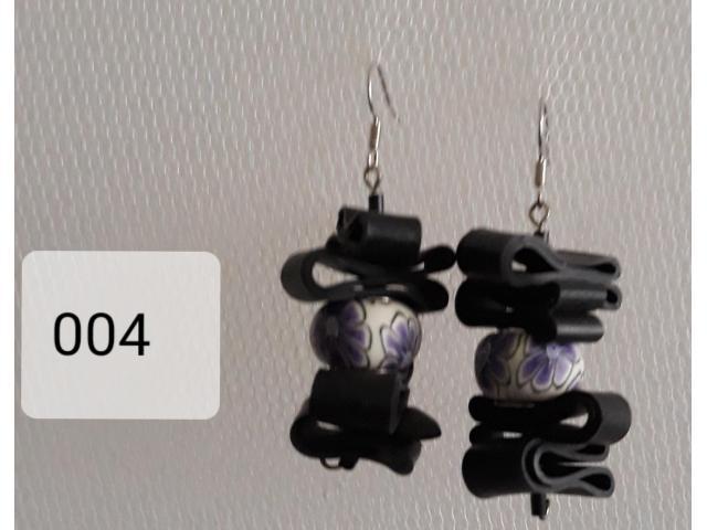 004 paars met wit.