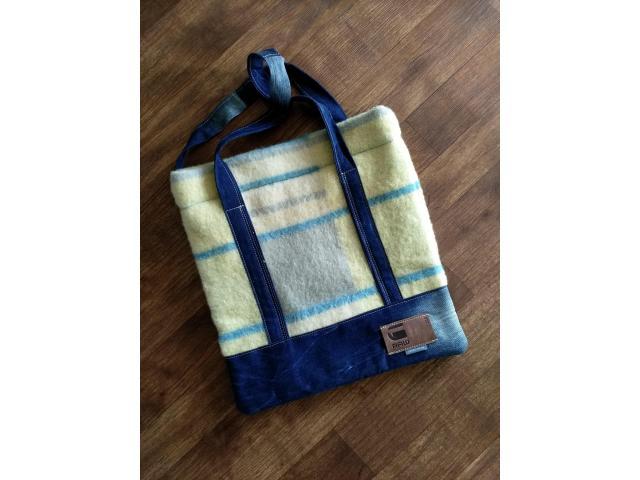Handtas van o.a postzak /vintage deken
