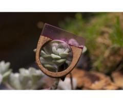 Houten ring, roze met glitters
