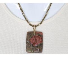 Unakiet tulpen edelsteen hanger aan goudhematiet snoer - GemChristina UN2074