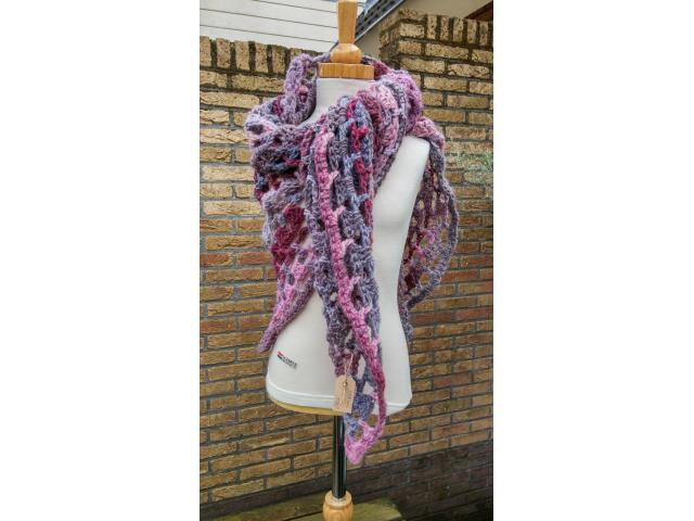 Op aanvraag; sjaal cq omslagdoek