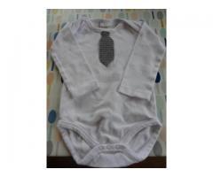 Nieuwe romper met gehaakte stropdas